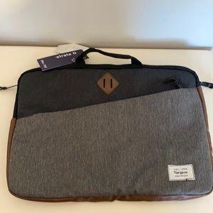NEW! Lap top bag - no long strap